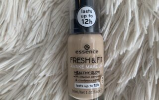 essence fresh and fit foundation